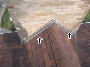 Bad chimney flashing